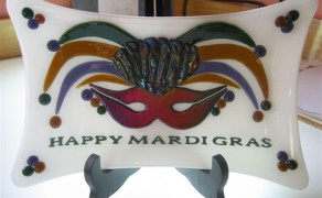 dish Happy Mardi grass